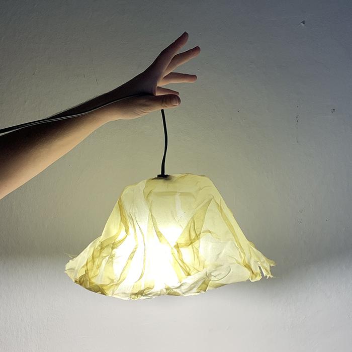 Gelatin Bioplastic Lamp - Maria Mariano